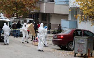 Koronavirüs testi pozitif çıkan kişi otomobilinde intihar etti