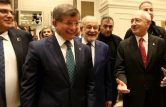 Kılıçdaroğlu ve Davutoğlu aynı etkinlikte