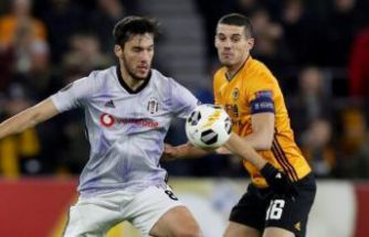 Beşiktaş, İngiltere'de Wolverhampton karşısında 4 golle dağıldı!