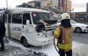 Beylikdüzü'nde öğrenci servisinde yangın