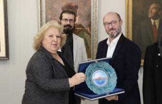 İranlı Ressam Aghanejad: Bir İranlı olarak Atatürk'le gurur duyuyorum…