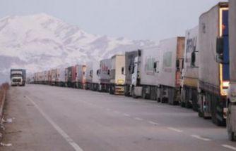 Türkiye- İran sınırında 'koronavirüs' kuyruğu