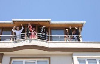 Ramazan Bayramı coşkusu balkonlara taştı