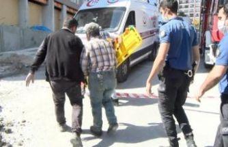 Esenyurt'ta kanalizasyon çalışması sırasında bir işçi toprak altında kaldı!