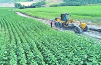 """Başkan Mesut Üner, """"Emeğini Alın Teriyle Yoğuran Çiftçilerimizin Daima Yanındayız"""""""