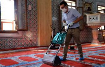 Kurban Bayramı öncesi camilerde Covid-19'a karşı hijyenik kuru sistem önlemi