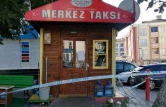 Esenyurt'ta taksiciler silahlı kavga etti İBB 4 durağı kapattı
