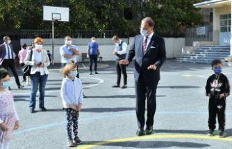 Mehmet Murat Çalık öğrencilerin ilk gün sevincini paylaştı
