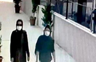 Avcılar'daki evden hırsızlık yapan iki kadın kamerada