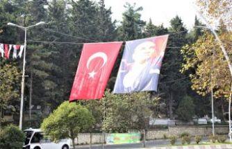 Çatalca'da Her Yer Atatürk, Çatalca'da Her Yer Kırmızı Beyaz