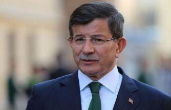 Ahmet Davutoğlu koronavirüse yakalandı