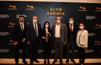 'Oku Avcılar' a Altın Karınca Ödülü