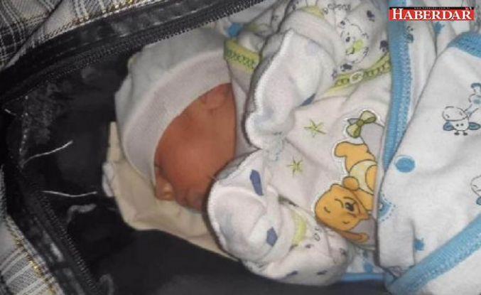 Çanta içinde sokağa bırakılan 15 günlük bebek bulundu