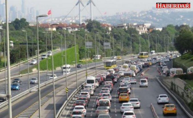 Yasağın ardından 15 Temmuz Şehitler Köprüsü'nde trafik yoğunluğu