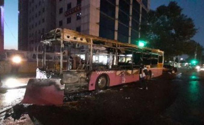 Esenyurt'ta belediye otobüsü kundaklandı