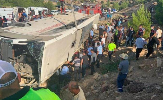 Mersin'de askerleri taşıyan otobüs devrildi: 5 asker şehit, 10 asker yaralı