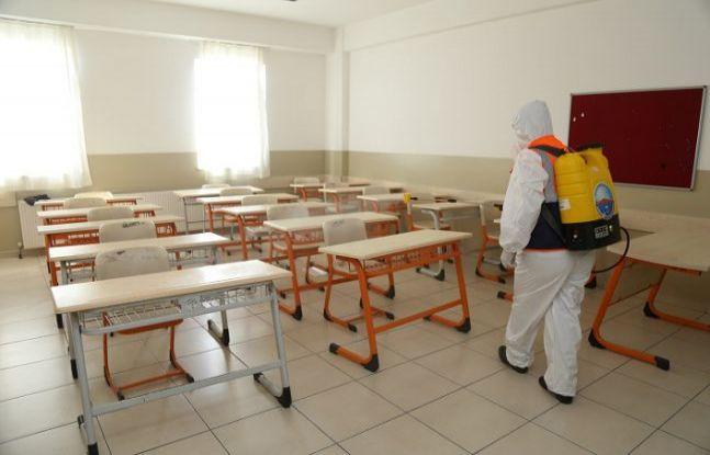 Büyükçekmece'deki okullar dezenfekte edilmeye devam ediyor