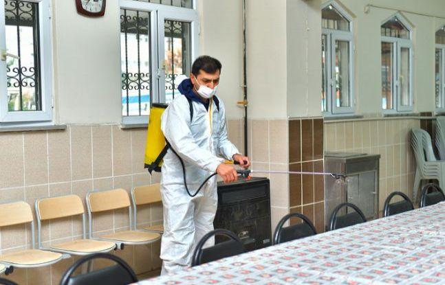 ESENYURT'TA İBADETHANELER DEZENFEKTE EDİLİYOR