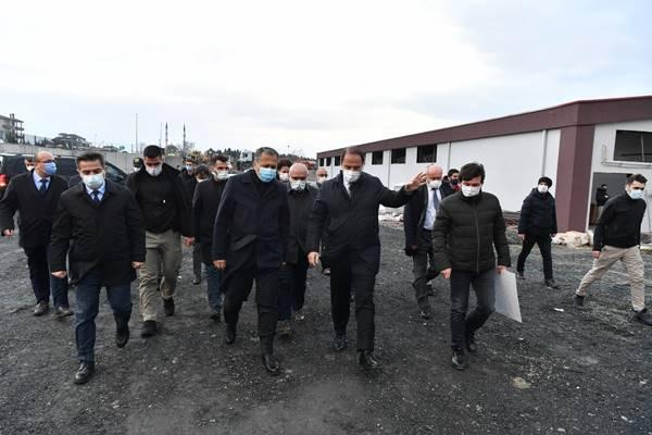 İstanbul Valisi Ali Yerlikaya Beylikdüzü esnafını ziyaret etti