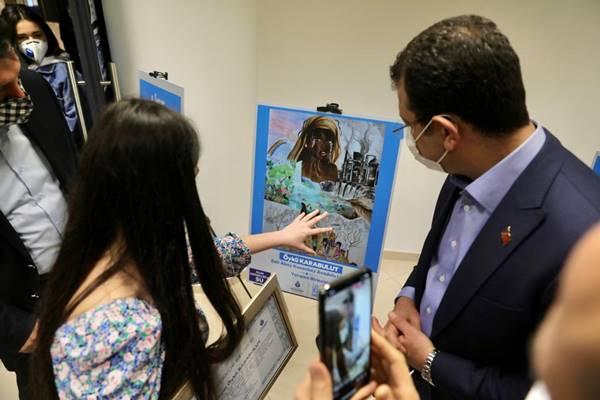 İBB Başkanı Ekrem İmamoğlu: İSKİ'nin yarışmasında dereceye giren öğrencilere ödüllerini verdi