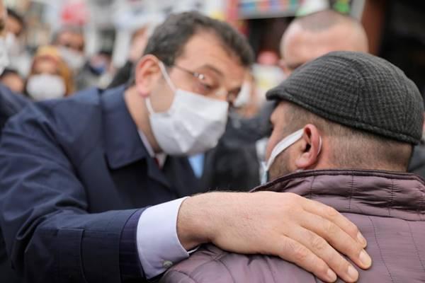 İBB Başkanı Ekrem İmamoğlu: Arnavutköy'de incelemelerde bulunup esnaf ziyareti gerçekleştirdi